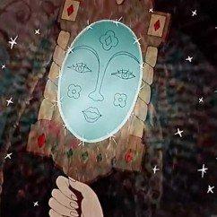 visage mirroir 242x242 - Alice nomme les parties du visage en russe. Лицо