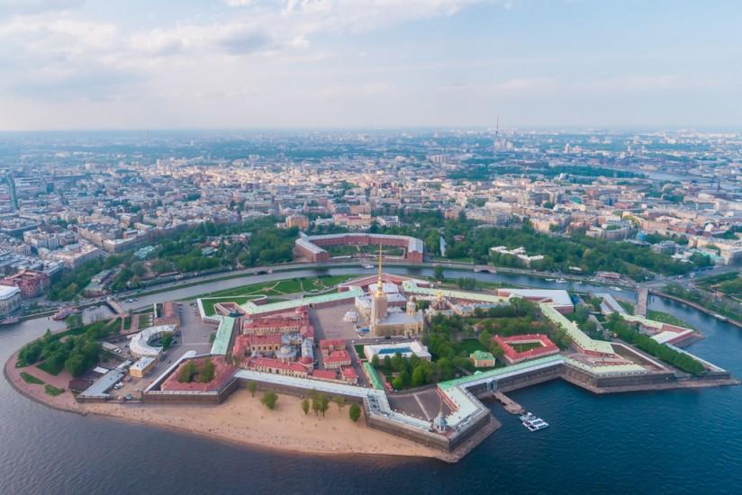 Forteresse Pierre-et-Paul, fondée en 1703 par Pierre le Grand en même temps que la ville de Saint-Pétersbourg