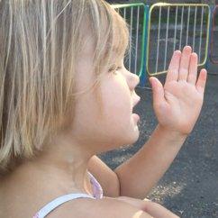 Alice au parc. Алиса в парке utilisé dans la page Alice au parc. Алиса в парке
