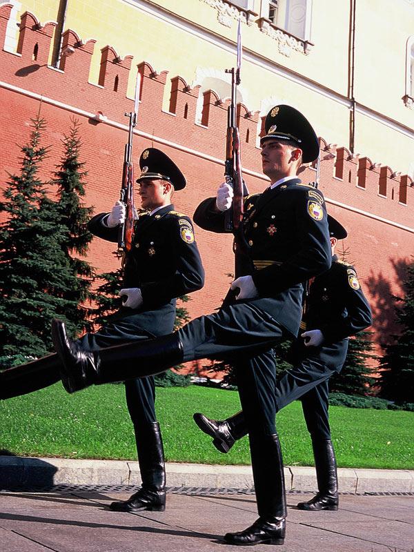 20090615 111746 18 - La relève de la Garde du Kremlin. Смена караула.
