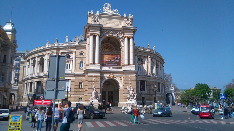 L'Opéra d'Odessa, immense bâtiment du style 19è siècle