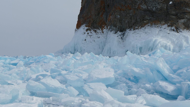 """Baïkal en hiver utilisé dans la page """"La Russie sous la neige, un rêve réalisé"""". Catherine et Roger"""