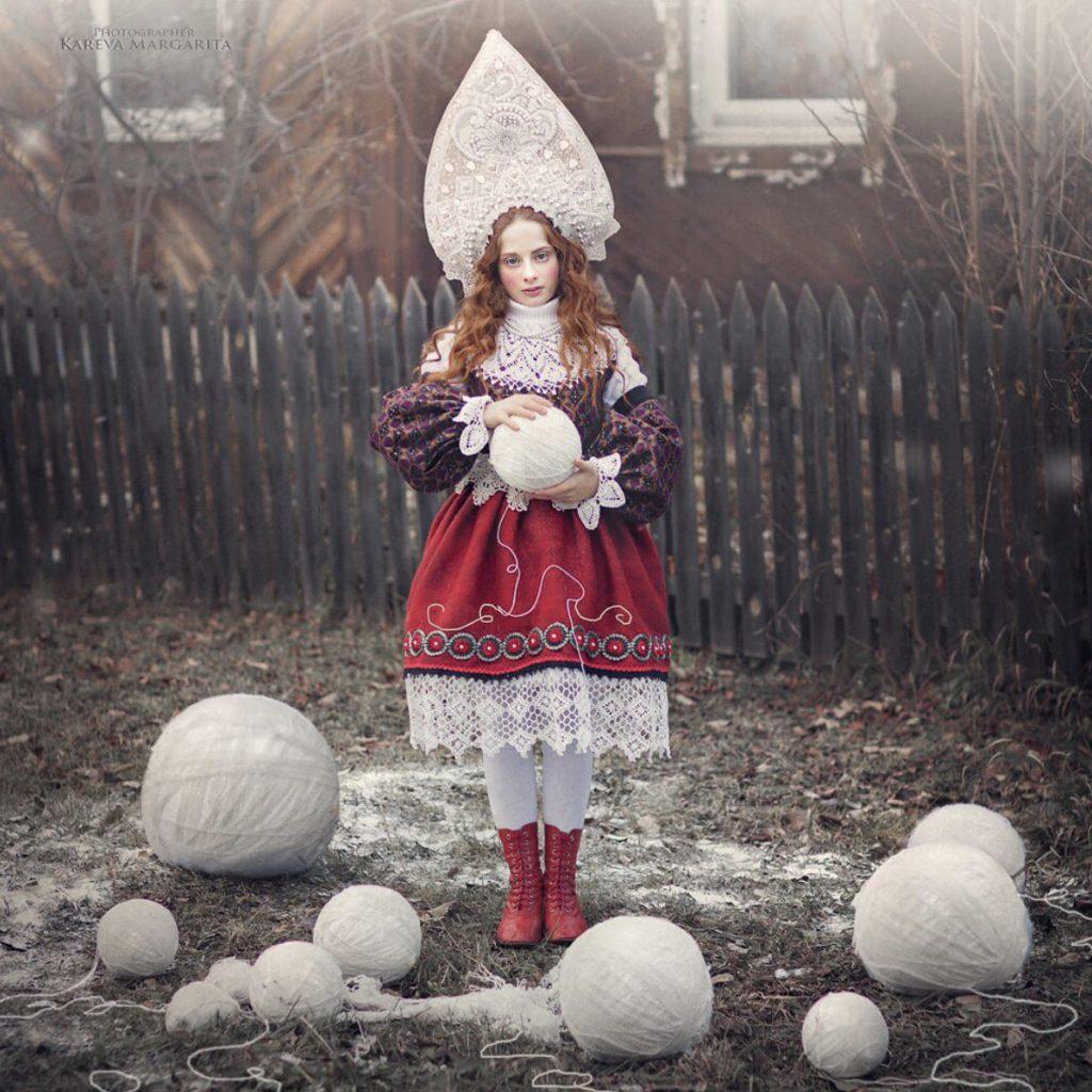 Petite fille russe habit traditionnel Margarita Kareva Apprendre le russe avec Ania 3 1024x1024 - Rencontre avec la photographe russe Margarita Kareva. Маргарита Карева
