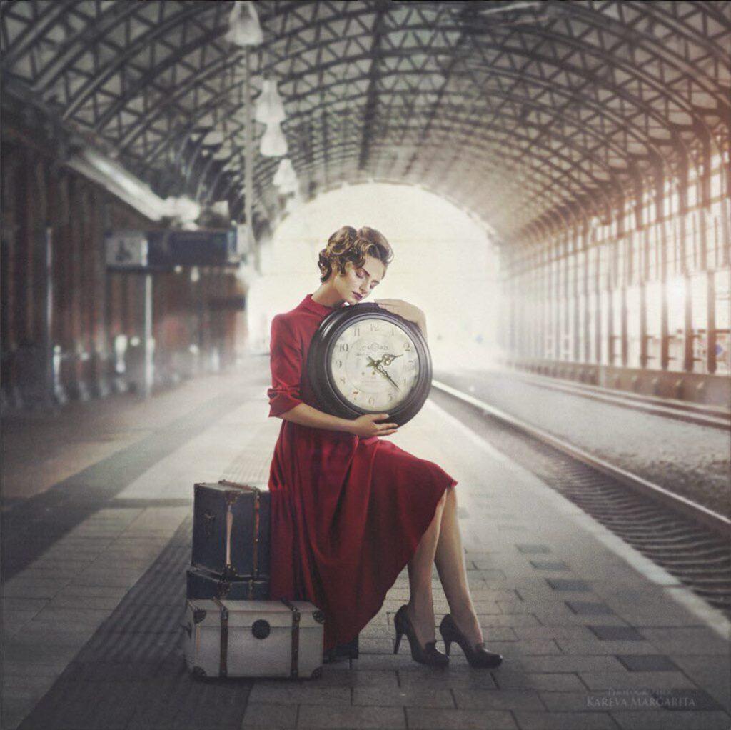 photo femme russe gare maria kareva 1024x1022 - Rencontre avec la photographe russe Margarita Kareva. Маргарита Карева