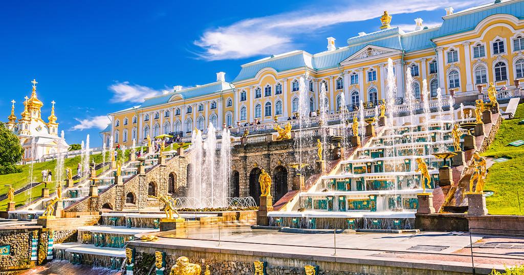 Le Palais de Peterhof et sa Grande cascade. Петродворец, Большой каскад в Петергофе