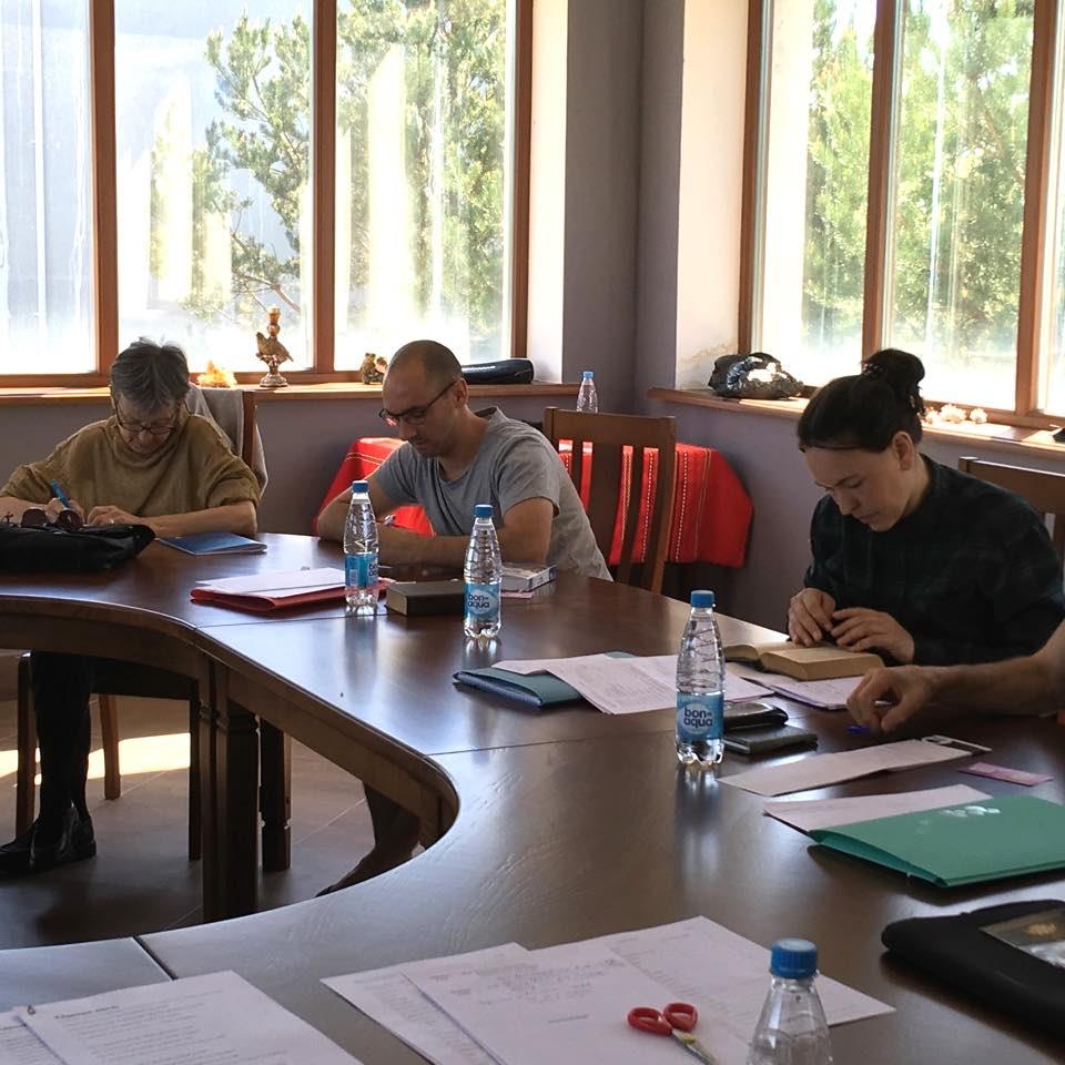 Groupe d'élèves adultes dans une salle de cours utilisé dans la page Formation Intensive à Aix-les-Bains : Russe Elémentaire