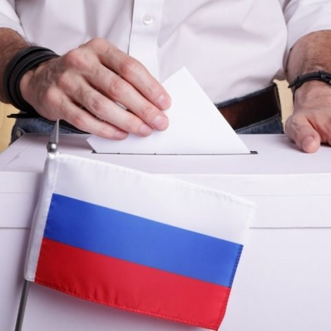 Parler des élections en russe : vidéo au bureau de vote